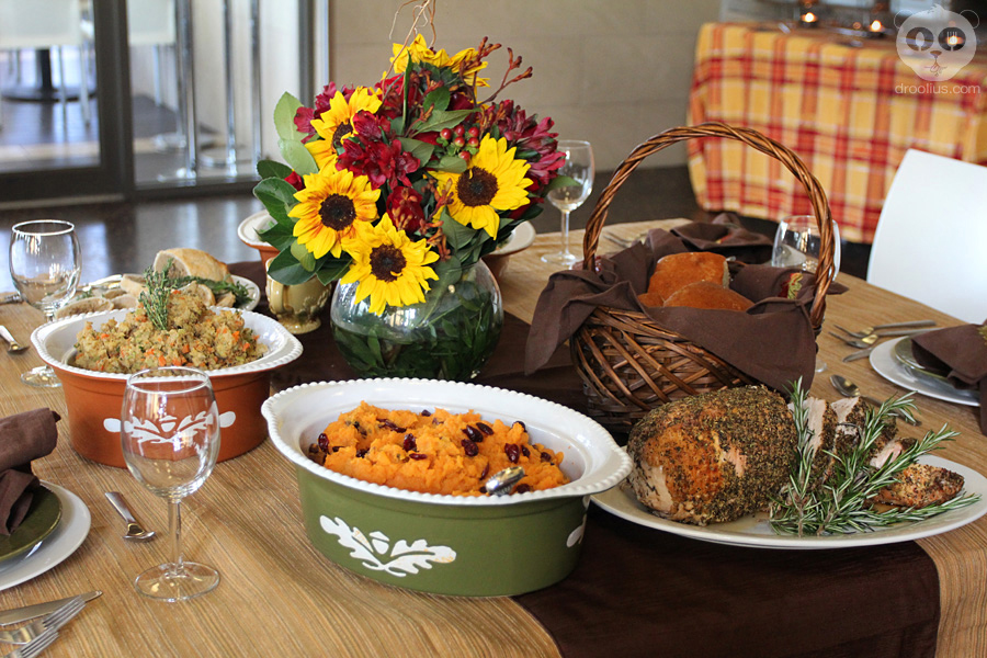 This year, setting a Thanksgiving table is even easier with Whole Foods Market's ready-to-serve side dishes, including traditional stuffing and mashed potatoes, cranberry sauce and turkey gravy. As an added bonus, all side items are available for purchase in convenient oven-ready, table-ready white porcelain dinnerware -- a perfect addition.