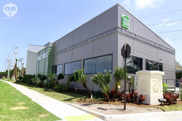 Shake Shack opens in Boca Raton, FL