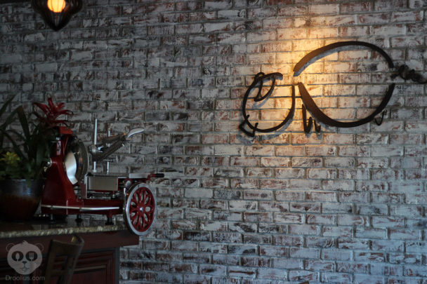 The-Ravenous-Pig-Visit-Orlando-Magical-Dining-3