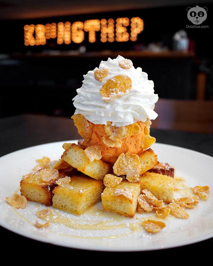 Brick toast dessert